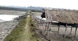 রামপালে অবৈধ দখলদারদের বাঁধায় খাল খনন ব্যহত