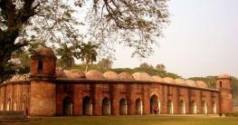 করোনা: ষাটগম্বুজ মসজিদে দর্শনার্থী প্রবেশে নিষেধাজ্ঞা