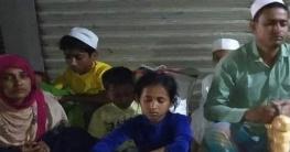 মোংলায় নারী-শিশুসহ ১২ রোহিঙ্গা আটক