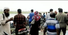 মোংলায় করোনা সংক্রমণ প্রতিরোধে কঠোর বিধিনিষেধ আরোপ