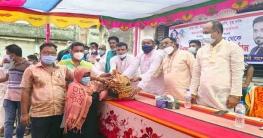 রামপালে শেখ তন্ময়ের ত্রাণ সমগ্রী পেল ৪ শতাধিক হতদরিদ্র পরিবার