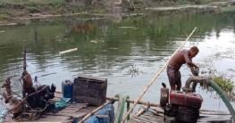 মোল্লাহাটে অবৈধভাবে বালু উত্তোলন, দুজনকে ২০ হাজার টাকা জরিমানা