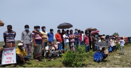 মোংলায় পশুর চ্যানেলে ড্রেজিং প্রকল্পের বালু ডাম্পিং