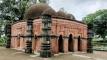 সাড়ে ৫০০ বছর ধরে দাঁড়িয়ে আছে দৃষ্টিনন্দন সুরা মসজিদ